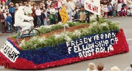 38-FellowshipFloat.jpg